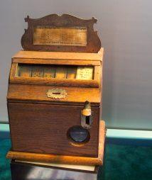 Rare 1920s Nickel Slot