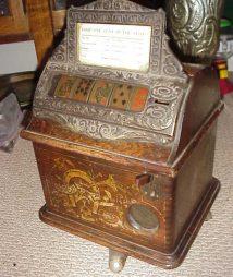 Caille Cigar Gambling Machine