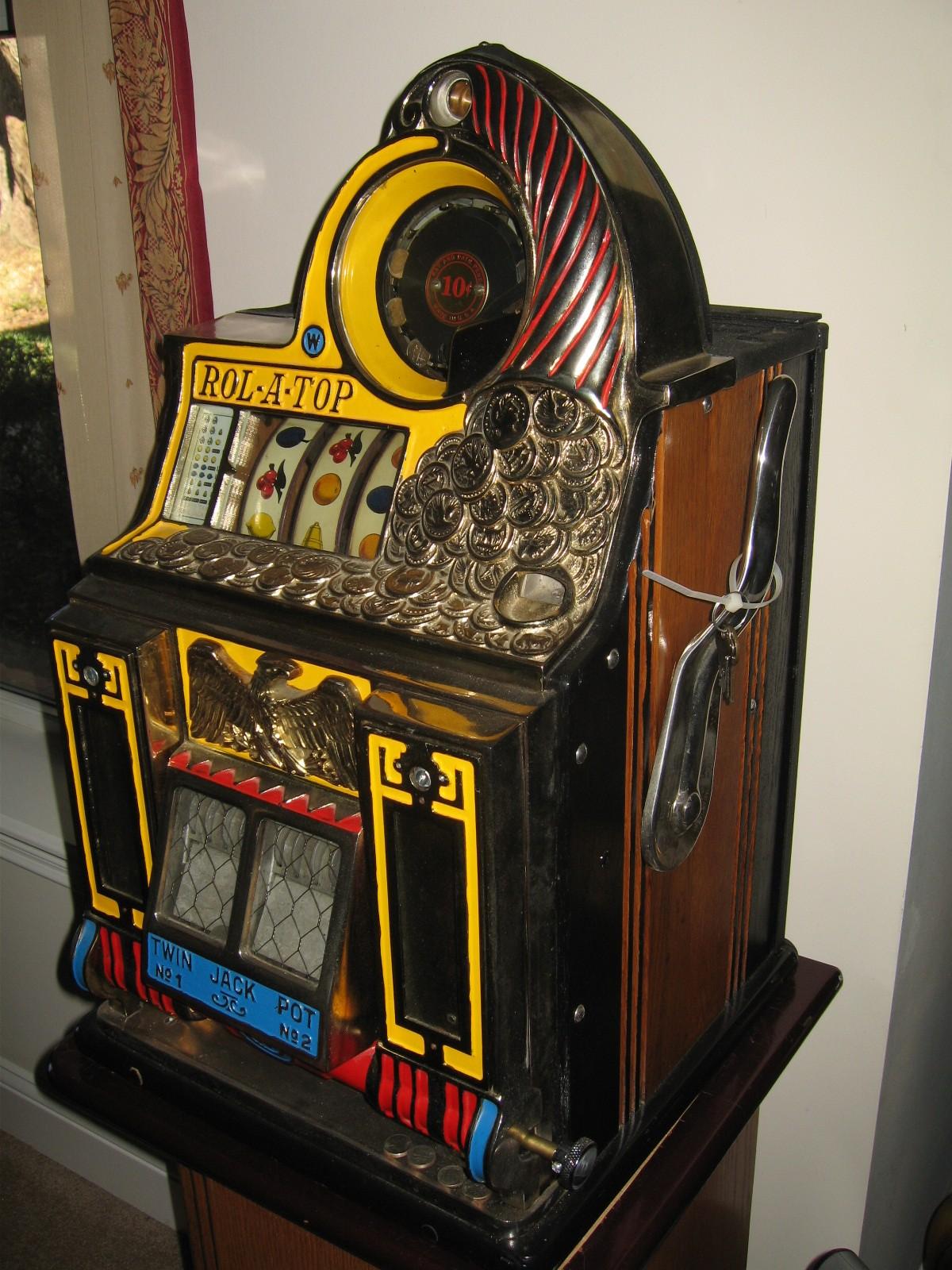 Watling Rol A Top Twin Jackpot Slot Machine With Mint