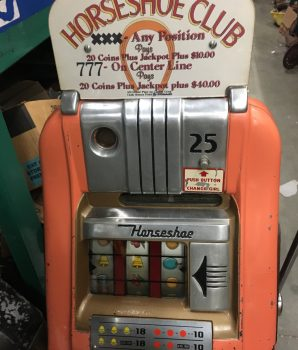 Horseshoe Club Antique 25 cent Slot Machine Las Vegas