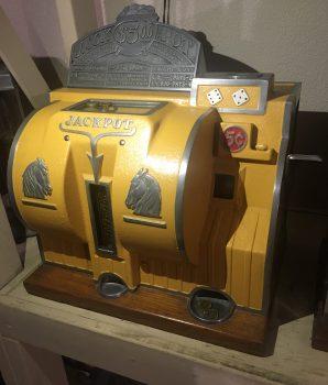 Bally Reliance Rare 5 Cent Dice Machine