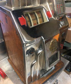 Jennings Super Chief 10c Slot Machine