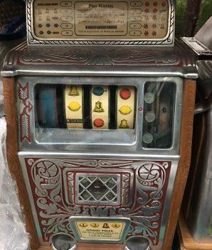 Caille Bros Rare 4-Reel Superior Jackpot Slot Machine