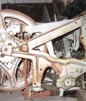 GOLDEN NUGGET Original 10-cent antique slot machine mechanism