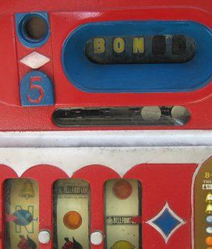 1930's Mills Novelty Horse Head Bonus Slot Machine