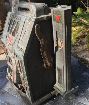 Mills Green Castle Slot Machine w/Side Vendor Golden Awards